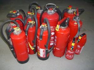 Verschiedene Feuerlöscher